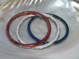 Estate Lot of 3 Red White & Blue Enamel Asian Cloisonne Floral Bangle Bracelet – image 4