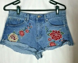 Forever 21 Women's Shorts Size 28 Cut Off Jeans Embroidered Roses Daisy ... - $18.79