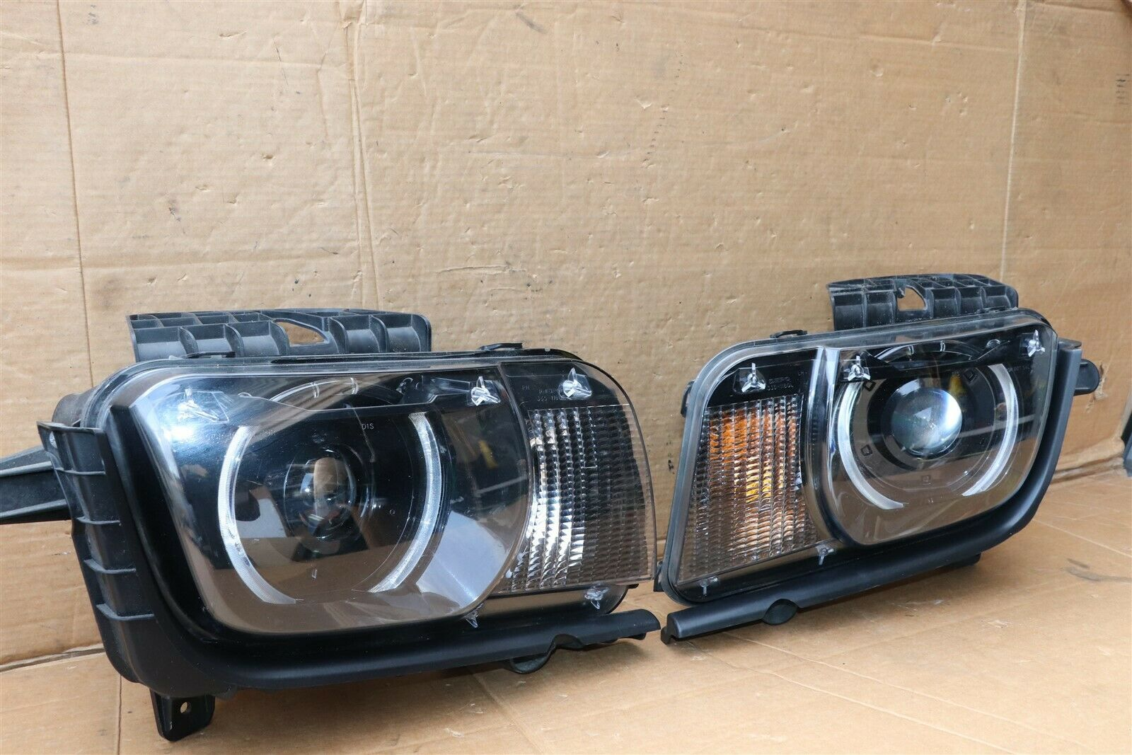 10-13 Chevy Camaro HID XENON Headlight Lamps Set L&R DEPO