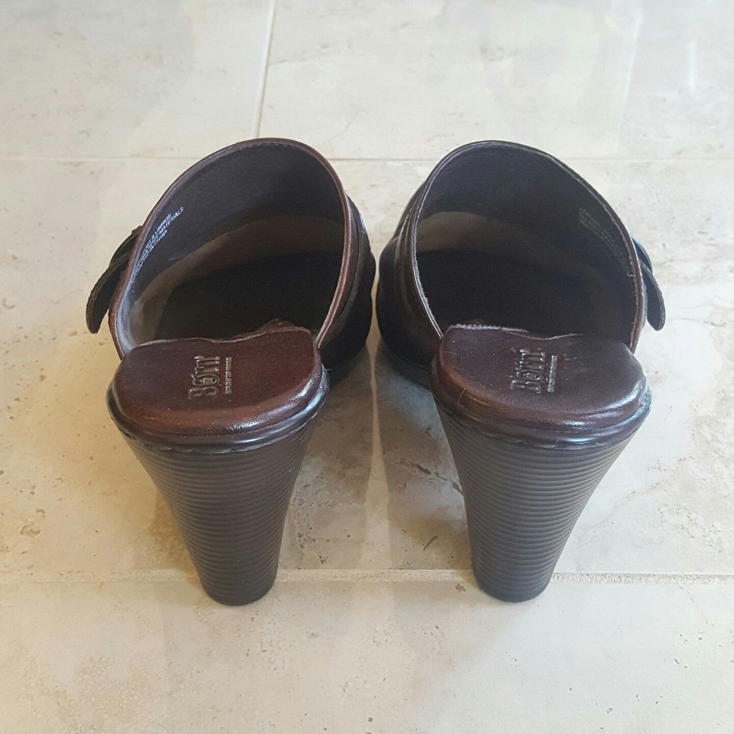 BORN 10 Burnish Buckle Tan Brown Leather Mules Slides Clogs Heels womens W6357