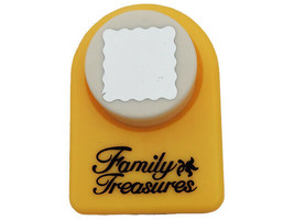Family Treasures Scalloped Square Punch, 3/4 inch by 3/4 inch