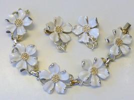 Estate EMMONS Dogwood Flower Gold tone Bracelet & Earrings SET - €16,64 EUR