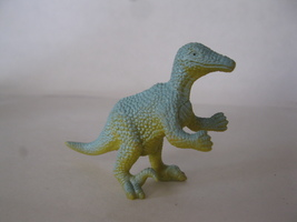 "(BX-1) Vintage 3"" long plastic Velociraptor Dinosaur - yellow w/ light b... - $2.00"