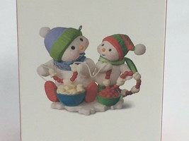 Hallmark Ornament Garland Giggles #10 in Series Making Memories 2017 New - $18.00