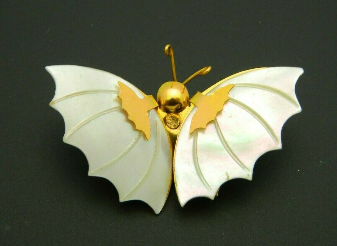 Mother of Pearl Gold Tone Butterfly Pin Brooch Vintage