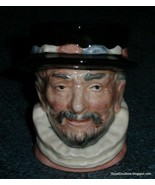 ROYAL DOULTON CHARACTER TOBY JUG D6233 BEEFEATER - GREAT COLLECTIBLE GIFT! - $33.94