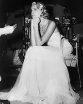 Grace Kelly 16x20 Canvas Giclee On Movie Set Rare - $69.99