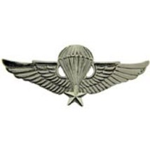 US Army Basic Jump Paratrooper Wing Badge Pin Vietnam - $9.89