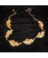 Costume Jewelry Gold Metal Flowers With Rhinestones Necklace - $18.99
