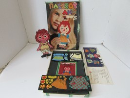 Vintage Colorforms #480 Raggedy Ann Travestimento Kit 1967 Bobbs Merrill Co - $10.30