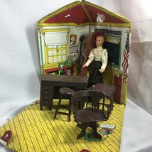 Vintage Ideal 1976 Jody's School House Doll Case And Furniture - $37.57