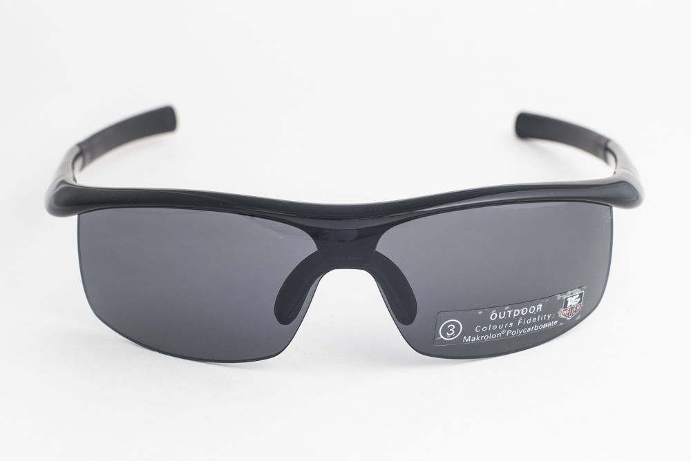 4cd7abecb258e Tag Heuer 27 Degree 6210 Black   Gray Outdoor Sunglasses TH6210 001
