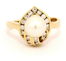 14k Yellow Gold Ring with Pearl and Diamond Size 7.75 - $379.00