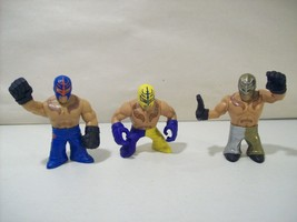 Lot Of 3 Wwe Rumblers Rey Mysterio Pvc Action Figures 2010 Yellow & Blue Gold - $10.73