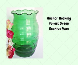 Anchor Hocking Forest Green Beehive Vase - Ribbed Ruffled Vintage Glassw... - $12.50