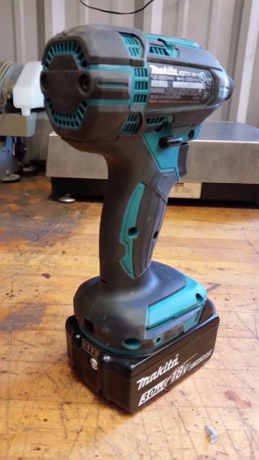 Makita 18V Compact Lithium-Ion Cordless Impact Driver XDT11 WITH BATTERY