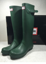Hunter Women's Original Tall Rain Boots New Without Box - $104.97+