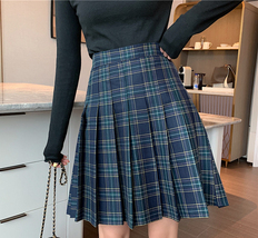Women Girl Black Plaid Skirt Plus Size Fall Winter Pleated Plaid Skirt Outfit  image 8