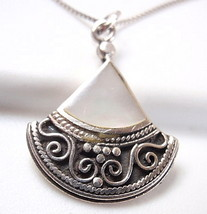 Small Mother of Pearl 925 Sterling Silver Necklace Teardrop  Corona Sun ... - $34.32