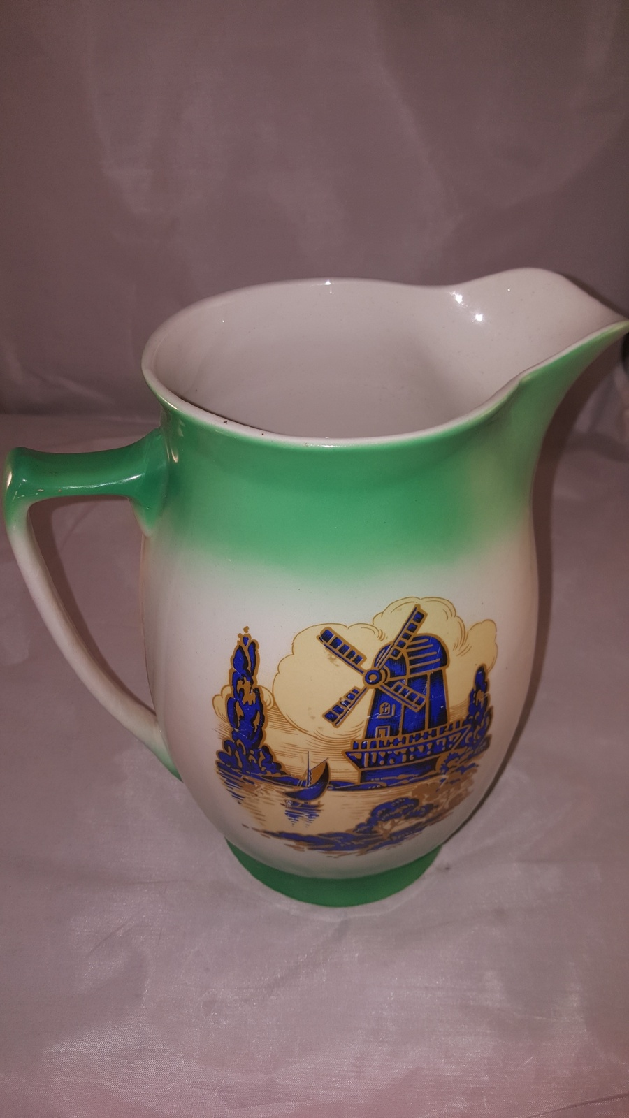"""Large Vintage Windmill Water Pitcher VGC aprox 10"""" tall"""