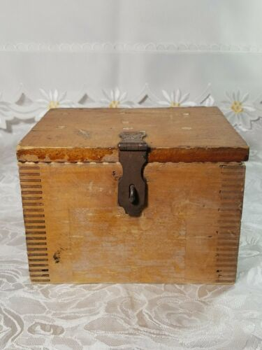 Primary image for VINTAGE CLARITE HIGH SPEED COLUMBIA TOOL STEEL CO. WOODEN BOX
