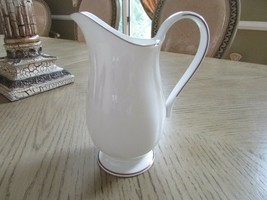 "LENOX CHINA PITCHER CREAMER CONTINENTAL DINING GOLD MICRO SAFE USA WHITE 7"" - $34.60"