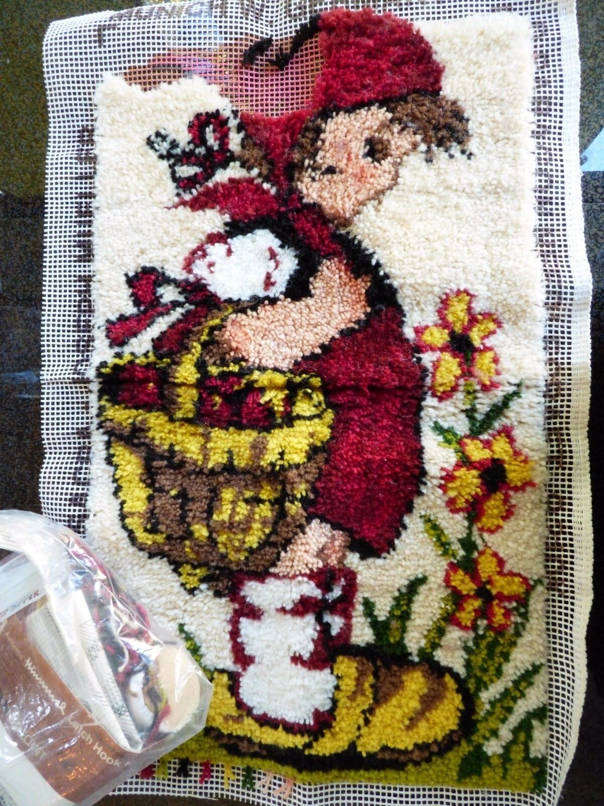 VTG Hummel Peasant Girl Latch Hook Wall Hanging 16x27 Paragon Needlecraft kit