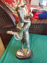 Great Collectible Statue...The LOVERS - $24.34