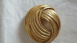 "2""DESIGNER Signed Monet Mod Round Geometric Statement Brooch Pin, Textured, Open - $5.93"