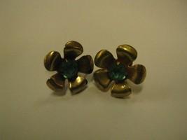 SCREW BACK EARRING gold color flower petals has one  aqua rhinestone in ... - $2.96