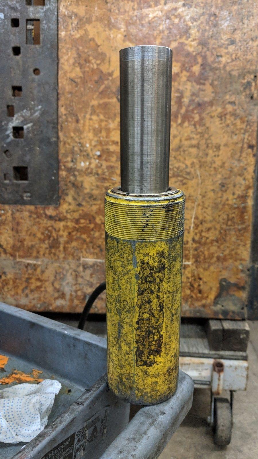 """Enerpac RC 154 15 Ton Hydraulic Cylinder 7-3/4"""" Tall 4"""" Stroke"""