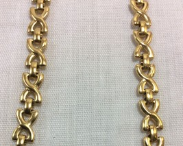 Vintage Necklace and Bracelet Set Gold Tone Avon Signed. - $14.95