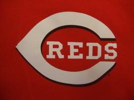 MLB Cincinnati Reds Major League Baseball Fan Sports Red T Shirt S - $17.71