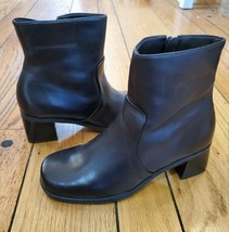 NATURALIZER Auburn Lo Brown Lea Booties w/Box 6W  NEW, no tag on shoes. - $29.69