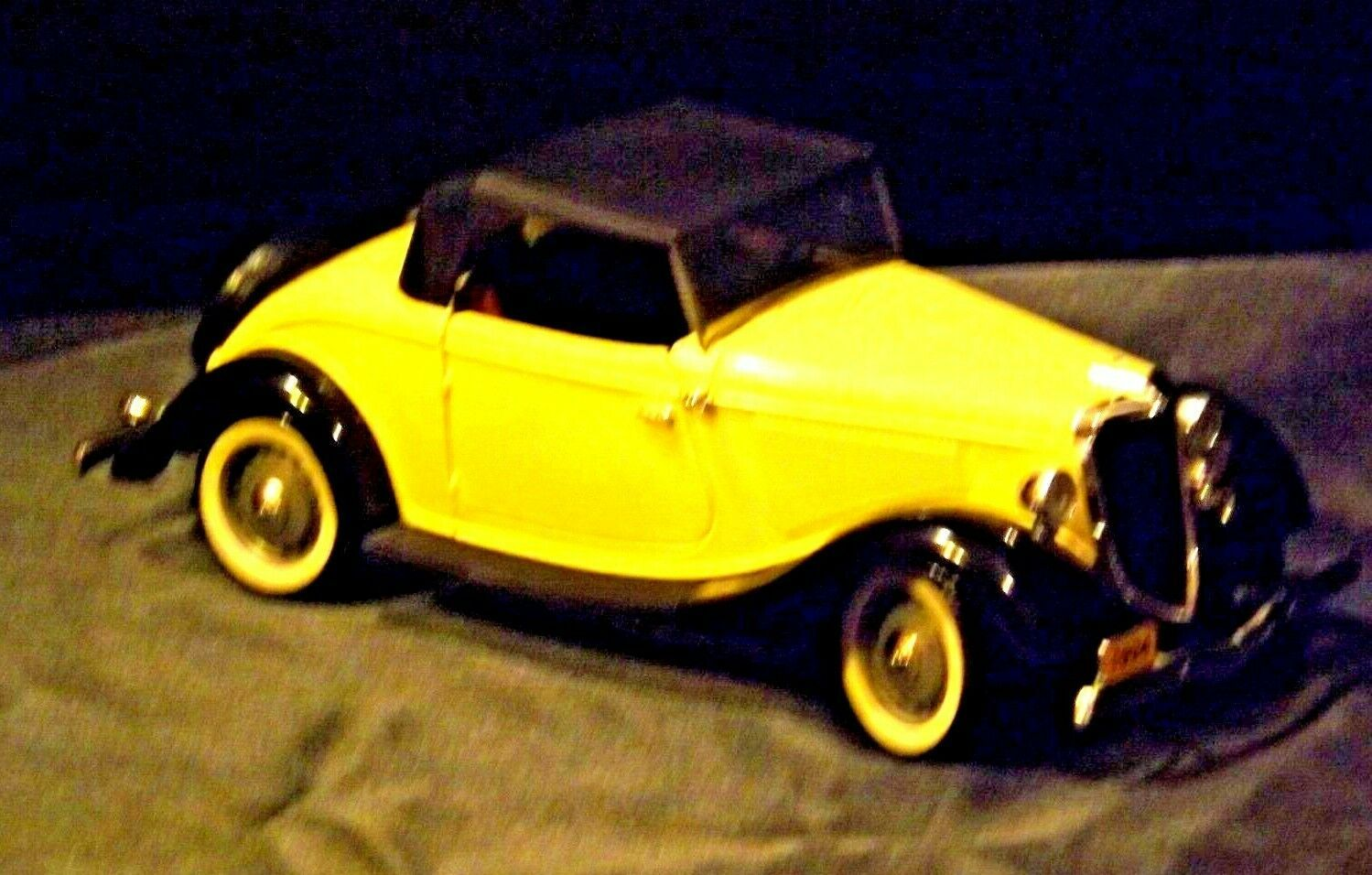 Die-cast Replica Ford V8 1954 Roadster  AA19-1518 Vintage