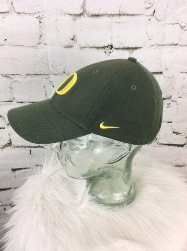 Nike Oregon Ducks Hat Cap Strap Back U Of O Green Yellow