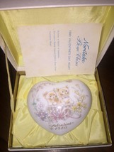Excellent Boxed Used Noritake 1980 Bone China Heart Limited Edition 8TH Issue - $9.79