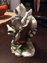 Homco Masterpiece #1433 Racoons On A Tree Stump - $8.85