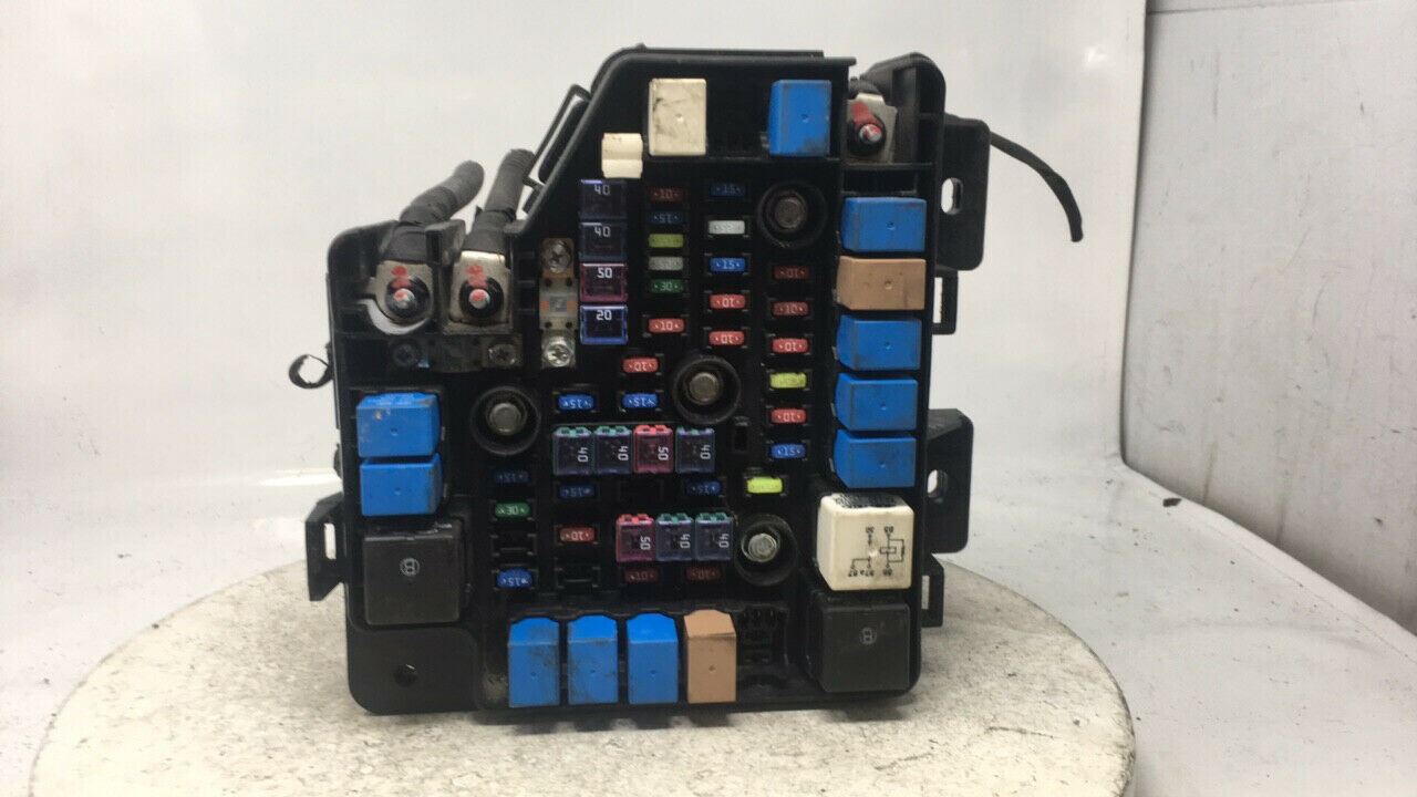 2010-2012 Hyundai Santa Fe Fusebox Fuse Box Relay Module 91950-2b710 24226   Controls