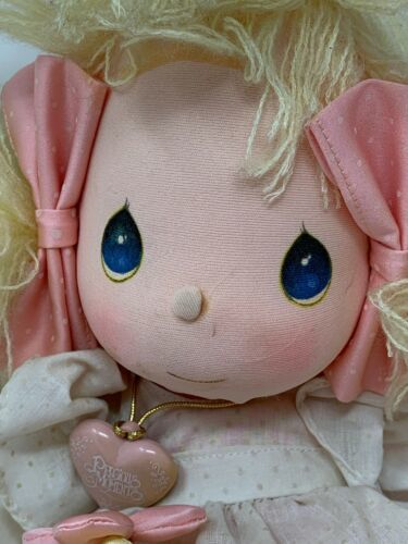 Applause Precious Moments Collectible Cloth Doll Heather #4562 with Locket image 3