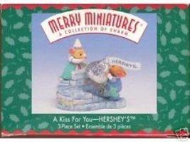 A Kiss for You - Hershey's 3 Piece Set - Hallmark Merry Miniatures 1999 - $13.86
