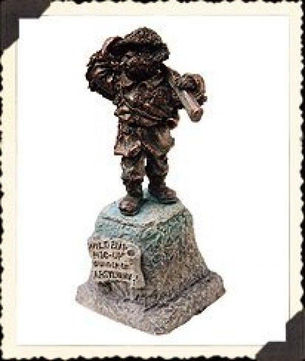 "Boyds Village Acessory ""Wild Bear Hic-up Monument""  #19801- NIB - $12.99"