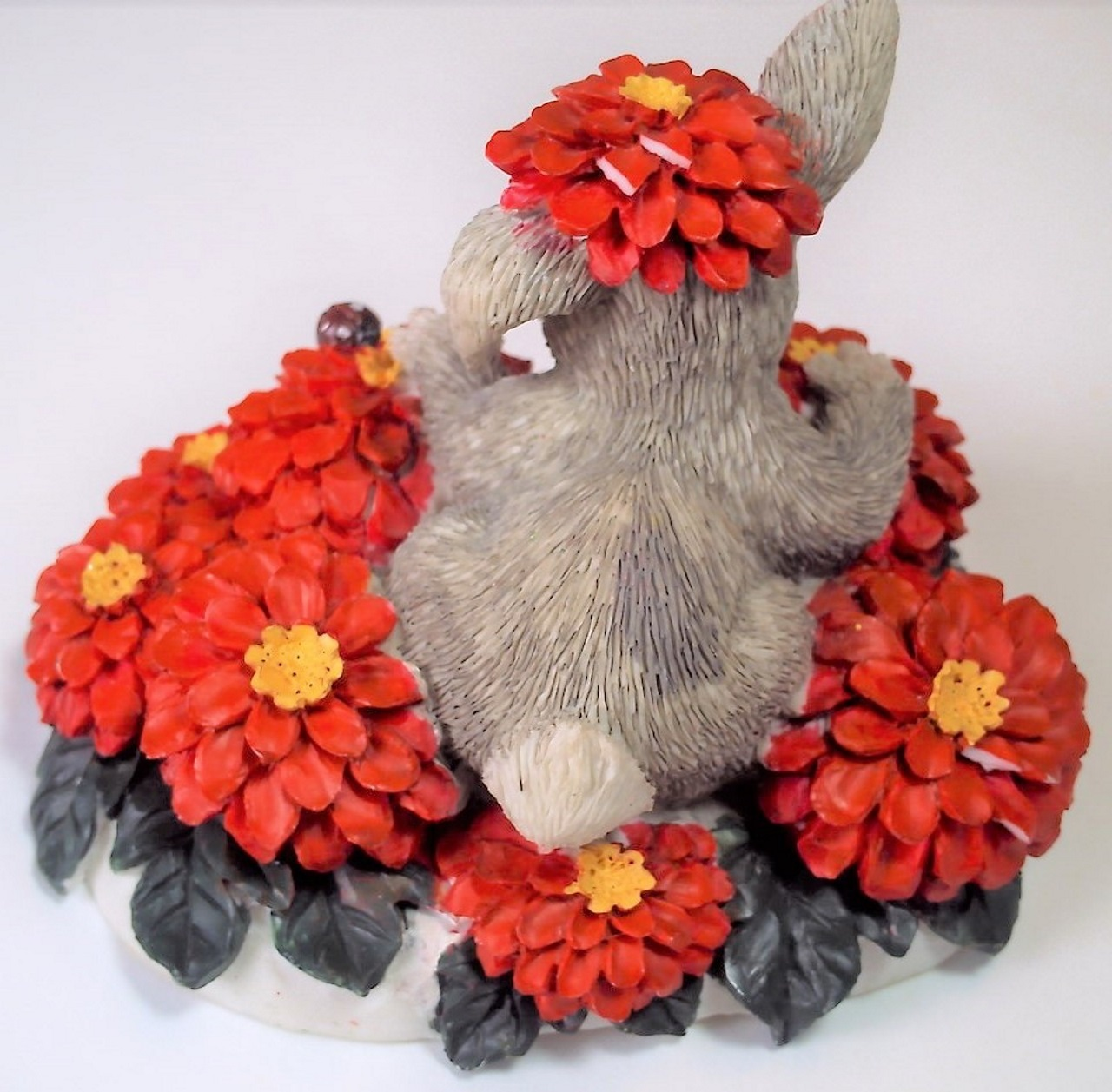 Charming Tails Binkey in a Bed of Flowers 1995 Edition 887/426