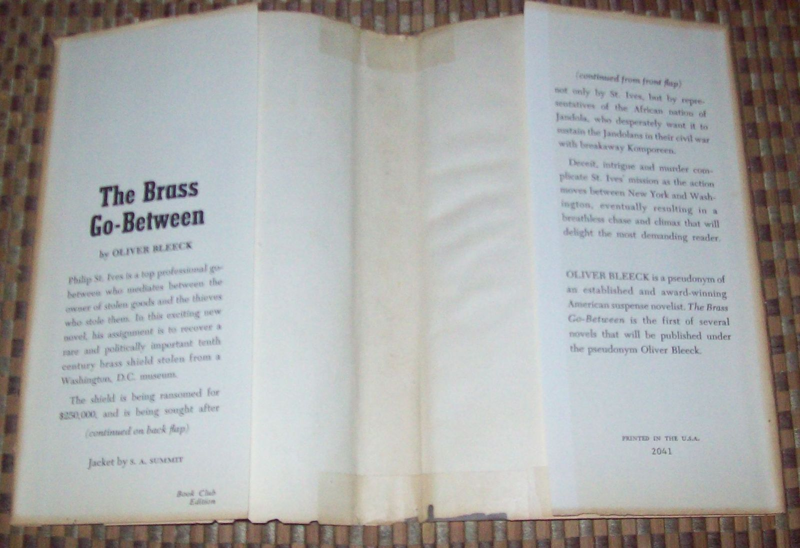 The Brass Go-Between by Oliver Bleeck 1969 HBDJ  Ross Thomas