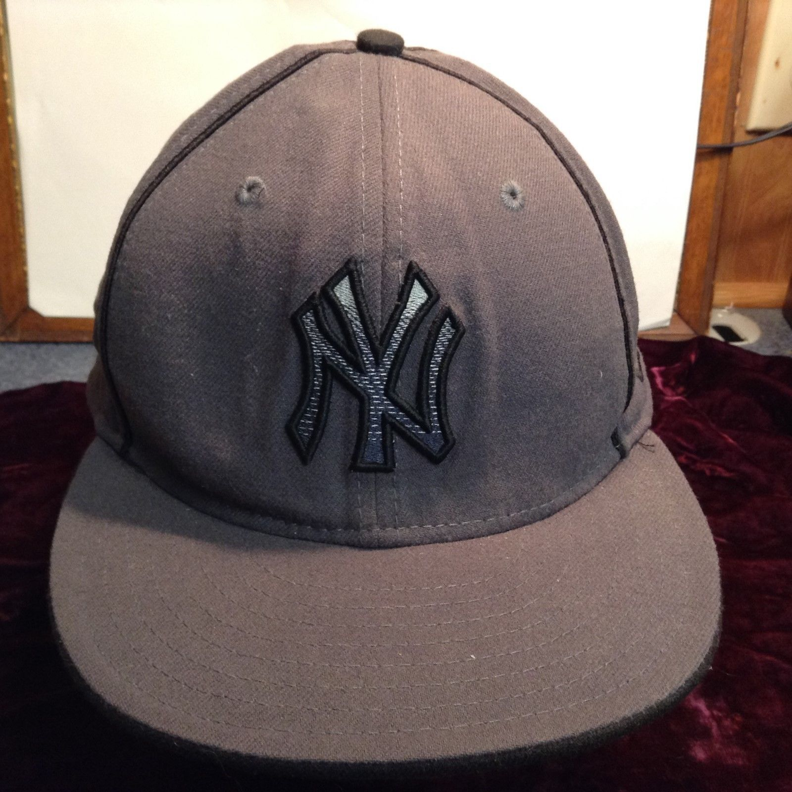 NEW MLB Genuine Merchandise New Era Grey NY Yankee Hat Sz 7 3/4