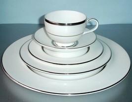 Royal Doulton Platinum Silk 5 Piece Place Setting Dinnerware New - $124.90