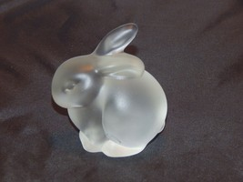 Fenton Glass Clear Frosted Rabbit Figurine - $10.89