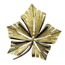 Crown Trifari Leaf Brooch Pin Brushed Goldtone Modernist 1.75 by 2 In Vi... - $17.82