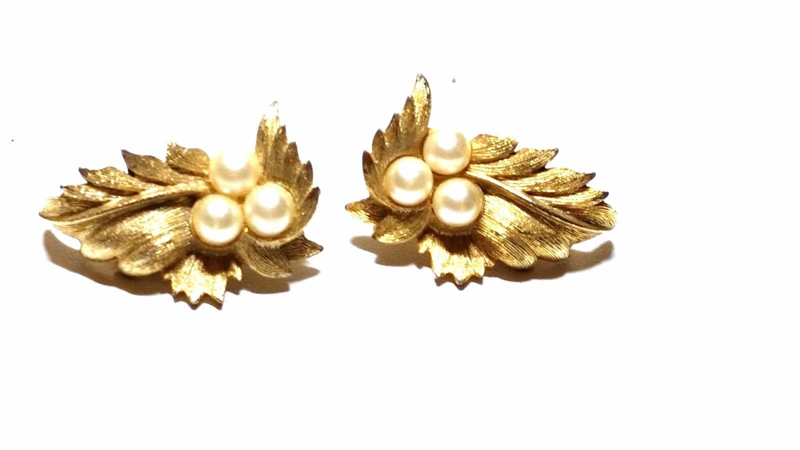 Sarah Coventry Gold Tone Leaf Earrings with Faux Pearls Vintage