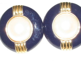 vintage clip on earrings - $9.50